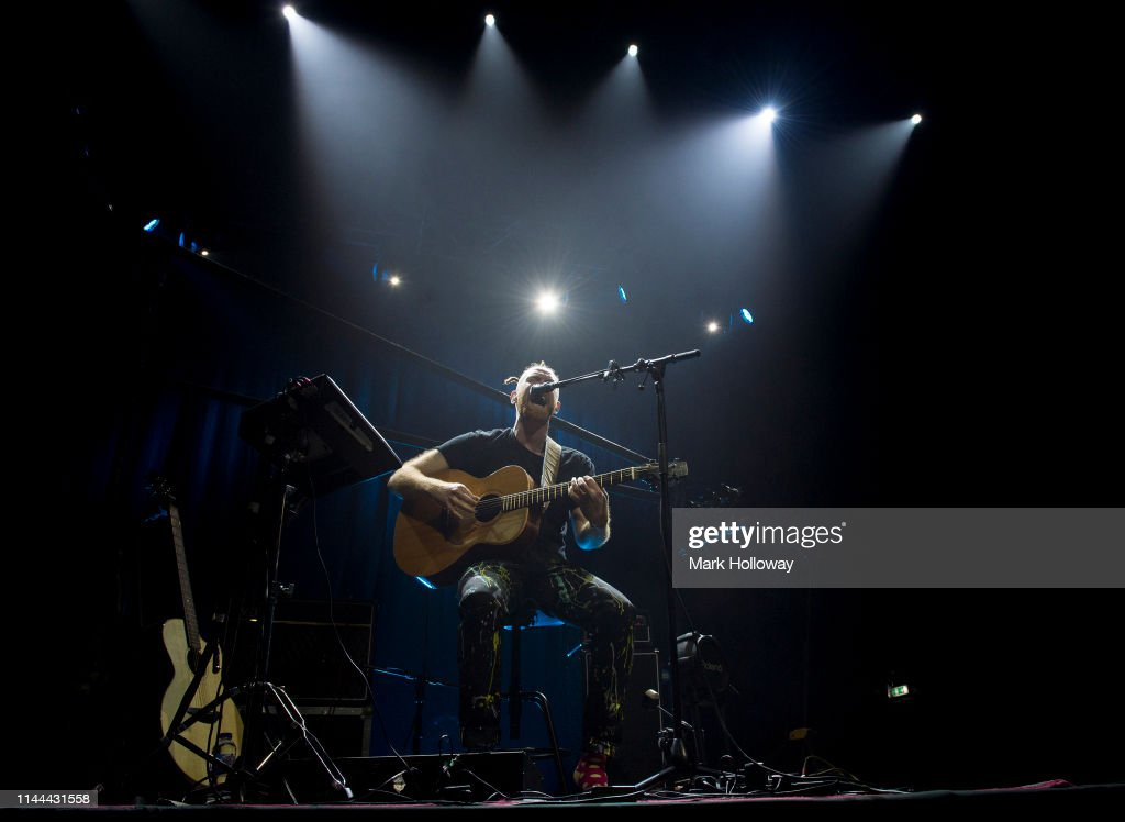 GBR: Newton Faulkner Performs At O2 Academy Bournemouth