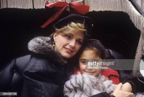 NewYork EtatsUnis 31 décembre 1987 Rendezvous avec Jeane MANSON en vacances à NewYork en compagnie de sa fille Jennifer DJAOUI Plan rapproché de...