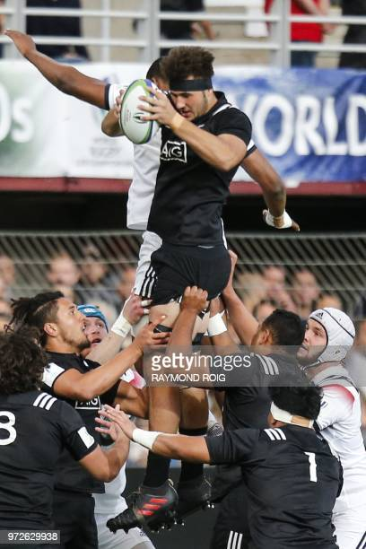 New-Zealand's lock Laghlan McWhannel grabs the ball during the U20 World Rugby union Championship semi-final match between France and New-Zealand at...