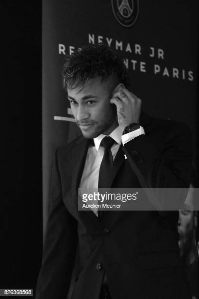 Neymar arrives for a press conference with Paris SaintGermain President Nasser AlKhelaifi on August 4 2017 in Paris France Neymar signed a 5 year...
