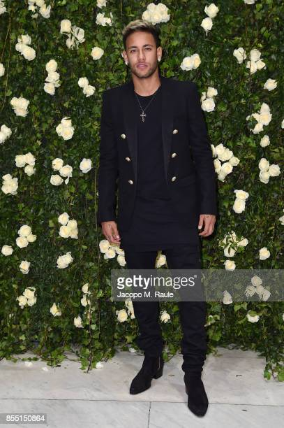Neymar attends the Balmain show as part of the Paris Fashion Week Womenswear Spring/Summer 2018 on September 28 2017 in Paris France