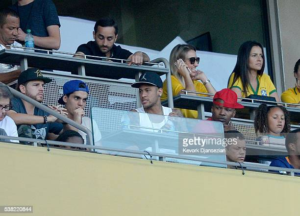 Neymar Jr #10 of Brazil and actor Jamie Foxx and his daughter Annalise attend the 2016 Copa America Centenario Group B match between Brazil and...