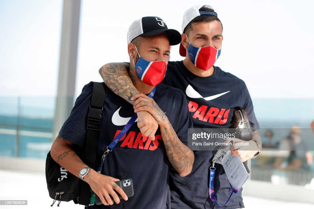 Neymar Jr And Mauro Icardi Wear A Face Mask As They Arrive To A Paris News Photo Getty Images