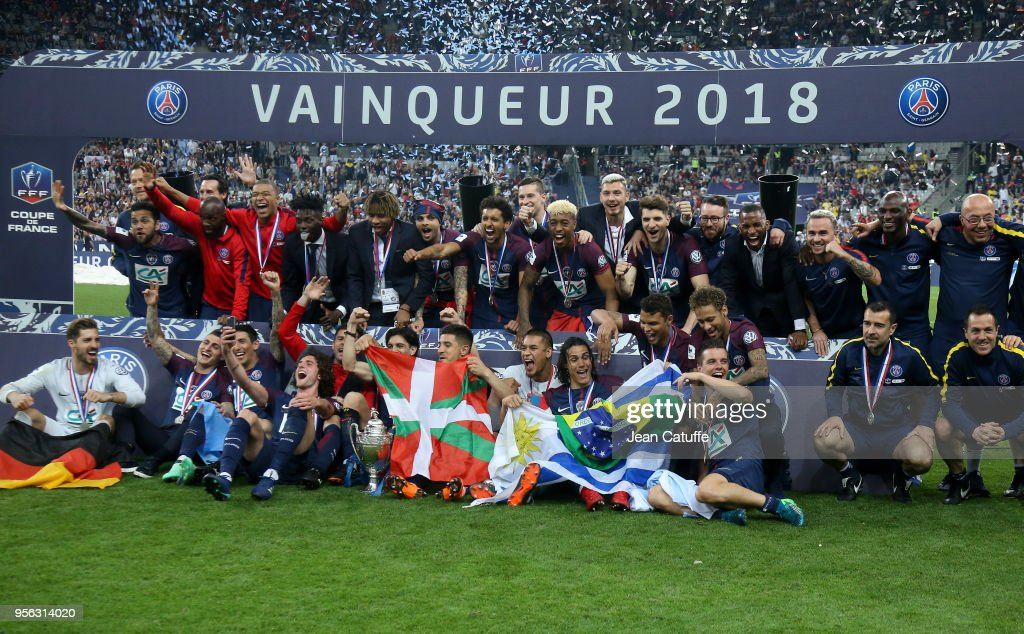 Neymar Jr and teammates of Team PSG celebrate the victory following the French Cup final (Coupe de France) between Les Herbiers VF and Paris Saint-Germain (PSG) at Stade de France on May 8, 2018 in Saint-Denis near Paris, France.