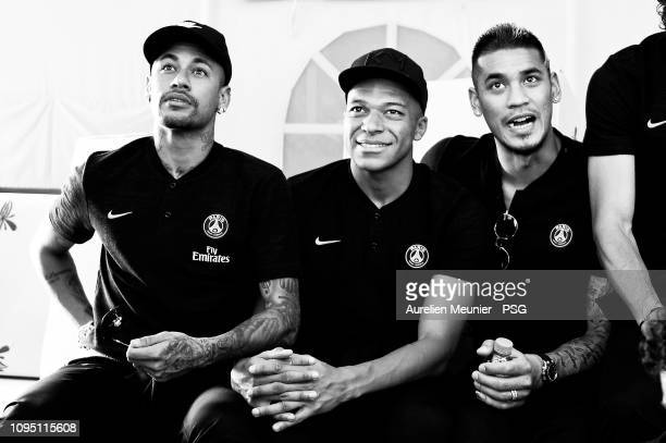 Neymar Jr Kylian Mbappe and Alphonse Areola react before the Camel Race during the 2019 PSG Qatar Winter Tour on January 16 2019 in Doha Qatar Camel...
