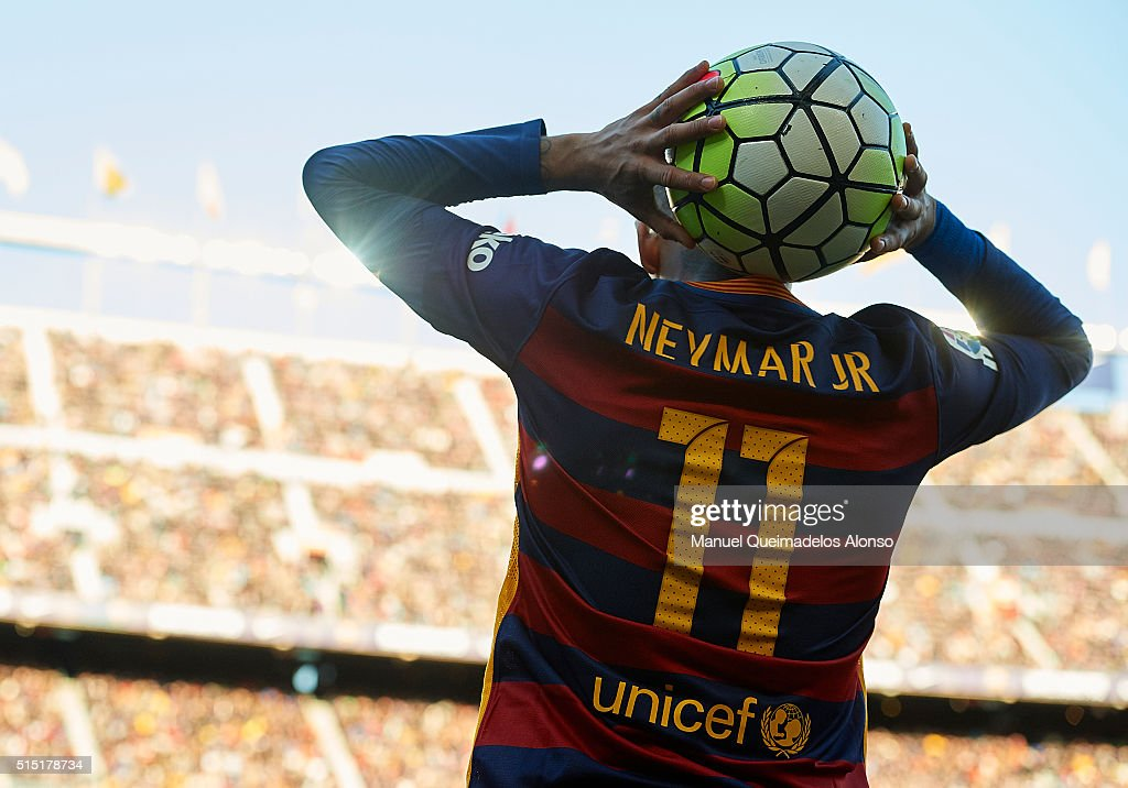 Neymar JR of Barcelona in action during the La Liga match between FC Barcelona and Getafe CF at Camp Nou on March 12, 2016 in Barcelona, Spain.