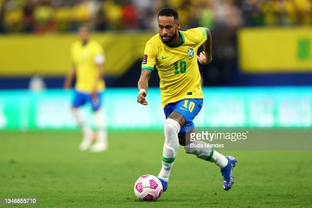 Neymar Jr. Of Brazil controls the ball during a match between Brazil and Uruguay as part of South American Qualifiers for Qatar 2022 at Arena...