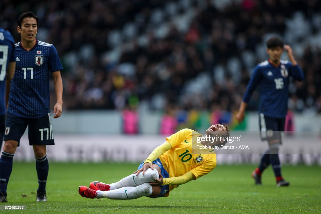 Neymar Jr of Brazil reacts during the international friendly match between Brazil and Japan at Stade Pierre-Mauroy on November 10, 2017 in Lille, France.
