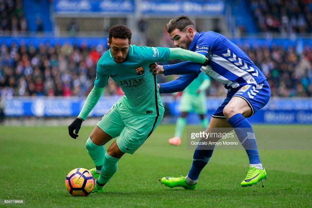 Deportivo Alaves v FC Barcelona - La Liga : ニュース写真