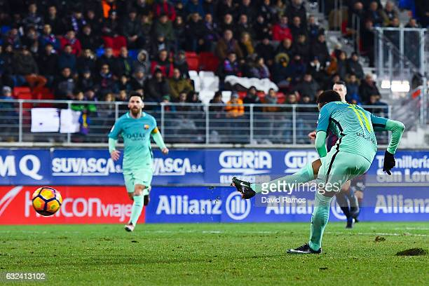 Neymar Jr of FC Barcelona scores his team's fourth goal during the La Liga match between SD Eibar and FC Barcelona at Ipurua stadium on January 22...