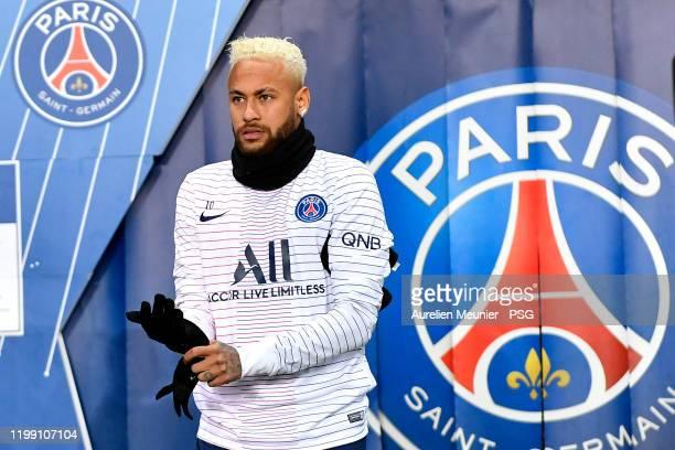 Neymar Jr of Paris Saint-Germain arrives on the pitch for warmup before the Ligue 1 match between Paris Saint-Germain and AS Monaco at Parc des...
