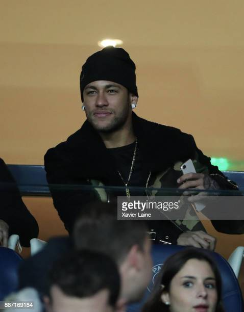 Neymar Jr of Paris SaintGermain attend before the Ligue 1 match between Paris SaintGermain and OGC Nice at Parc des Princes on October 27 2017 in...