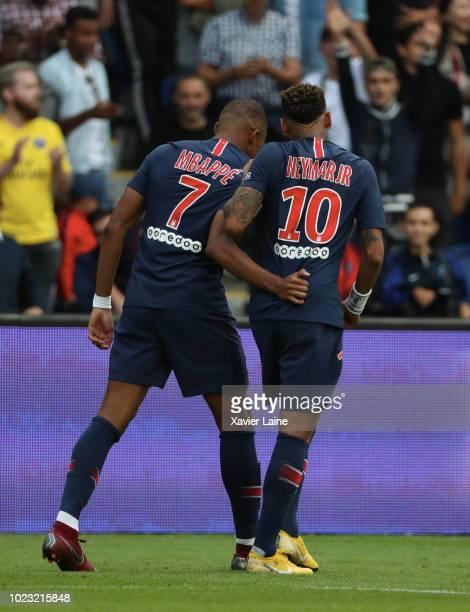 Neymar Jr of Paris SaintGermain celebrate his goal with Kylian Mbappe during the Ligue 1 match between Paris SaintGermain and SCO Angers at Parc des...