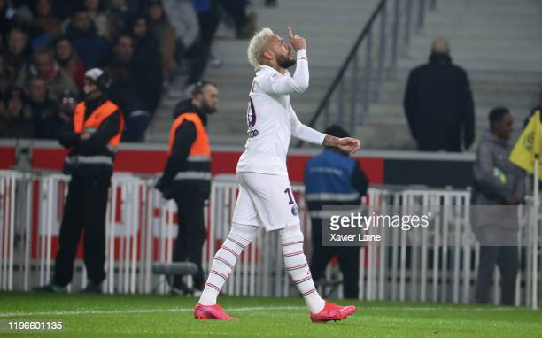 Neymar Jr of Paris SaintGermain celebrate his second goal during the Ligue 1 match between Lille LOSC and Paris SaintGermain at Stade Pierre Mauroy...