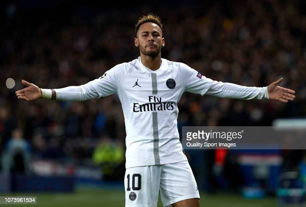 Neymar Jr of Paris SaintGermain celebrates after scoring his sides second goal during the Group C match of the UEFA Champions League between Paris...