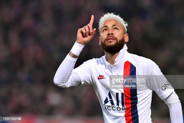 Neymar Jr of Paris SaintGermain celebrates his goal as a tribute for late Kobe Bryant during the Ligue 1 match between Lille OSC and Paris...