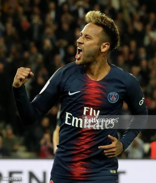 Neymar Jr of Paris Saint-Germain celebrates his goal during the French Ligue 1 match between Paris Saint Germain and Stade Reims on September 26,...