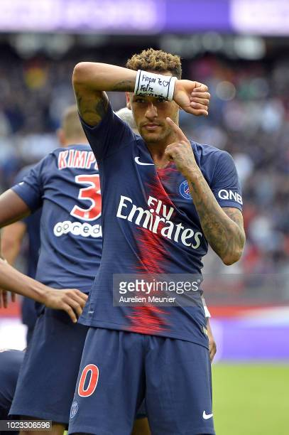 Neymar Jr of Paris SaintGermain celebrates his goal during the Ligue 1 match between Paris SaintGermain and Angers SCO at Parc des Princes on August...