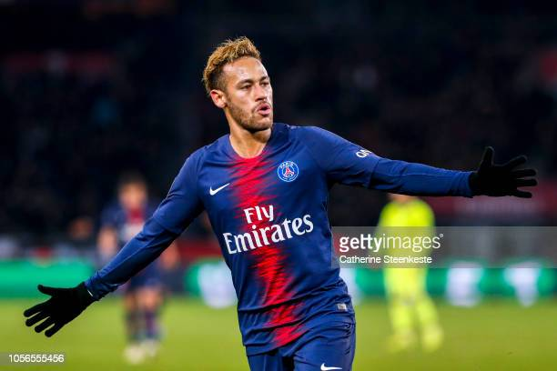 Neymar Jr of Paris SaintGermain celebrates his goal during the Ligue 1 game between Paris SaintGermain and Lille OSC at Parc des Princes on November...