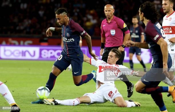 Neymar Jr of Paris SaintGermain cin action during during the French Ligue 1 match between Paris Saint Germain and Toulouse FC at Parc des Princes on...