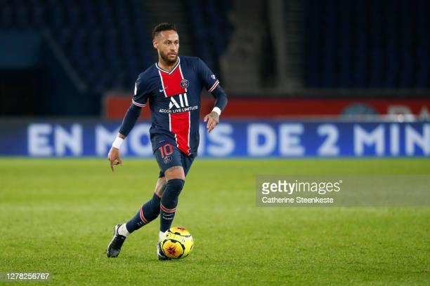 Neymar Jr of Paris Saint-Germain controls the ball during the Ligue 1 match between Paris Saint-Germain and Angers SCO at Parc des Princes on October...