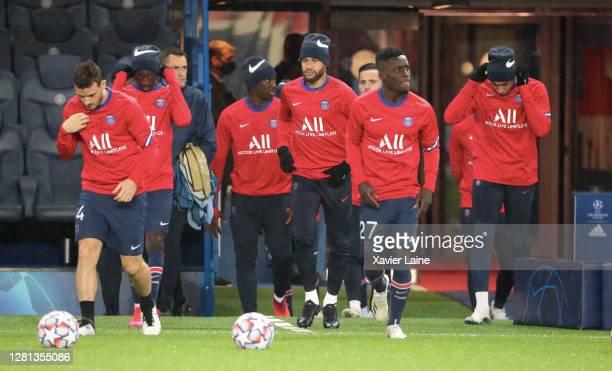 Neymar Jr of Paris SaintGermain enter the field with teammattes before the UEFA Champions League Group H stage match between Paris SaintGermain and...