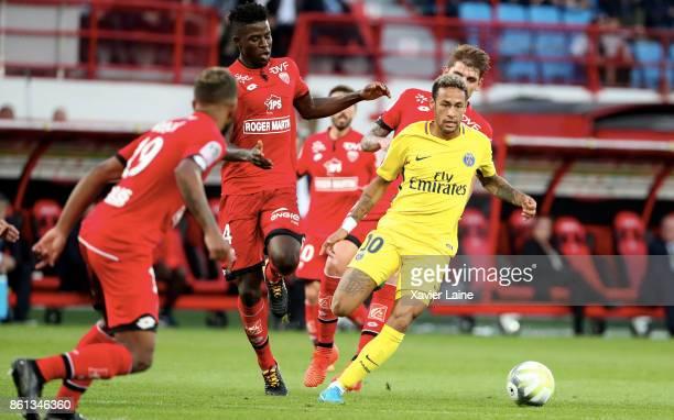 Neymar Jr of Paris SaintGermain in action during the Ligue 1 match between Dijon FCO and Paris Saint Germain at Stade GastonGerard on October 14 2017...