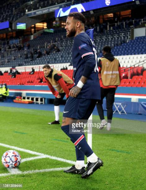 Neymar Jr of Paris SaintGermain in action during the UEFA Champions League Group H stage match between Paris SaintGermain and Manchester United at...