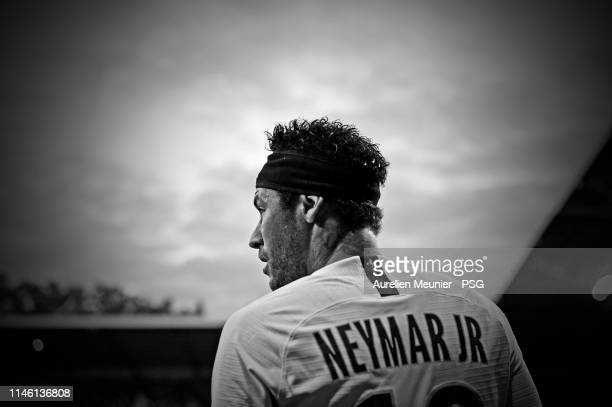 Neymar Jr of Paris SaintGermain looks on during the Ligue 1 match between Montpellier HSC and Paris SaintGermain at Stade de la Mosson on April 30...