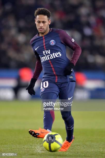 Neymar Jr of Paris SaintGermain passes the ball during the Ligue 1 match between Paris Saint Germain and Olympique Marseille February 25 2018 in...