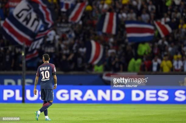Neymar Jr of Paris SaintGermain reacts during the Ligue 1 match between Paris SaintGermain and Toulouse at Parc des Princes on August 20 2017 in...