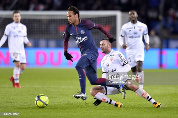 Neymar Jr of Paris SaintGermain runs with the ball during the Ligue 1 match between Paris Saint Germain and Dijon FCO at Parc des Princes on January...
