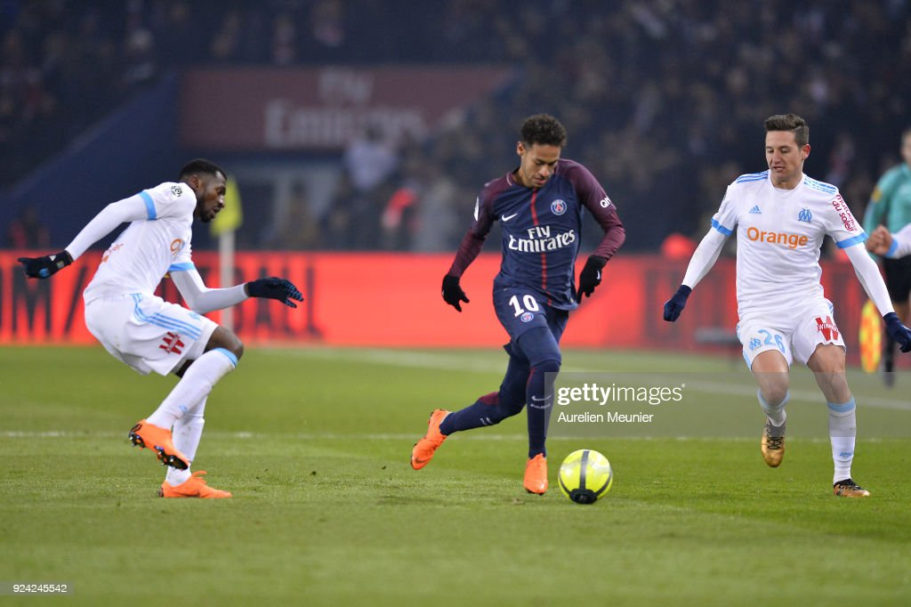 Neymar Jr of Paris Saint-Germain runs with the ball during the Ligue 1 match between Paris Saint Germain and Olympique Marseille February 25, 2018 in Paris, France.