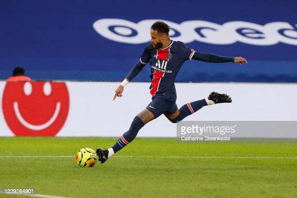 Neymar Jr of Paris SaintGermain shoots the ball during the Ligue 1 match between Paris SaintGermain and Dijon FCO at Parc des Princes on October 24...