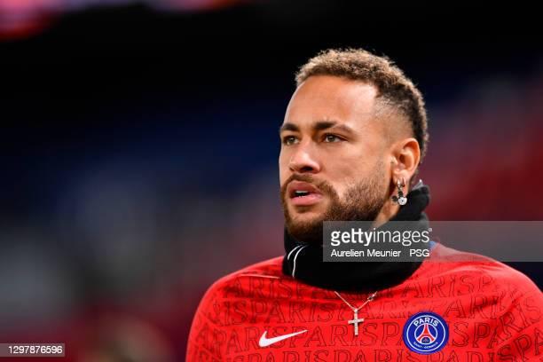 Neymar Jr of Paris Saint-Germain warms up before the Ligue 1 match between Paris Saint-Germain and Montpellier HSC at Parc des Princes on January 22,...