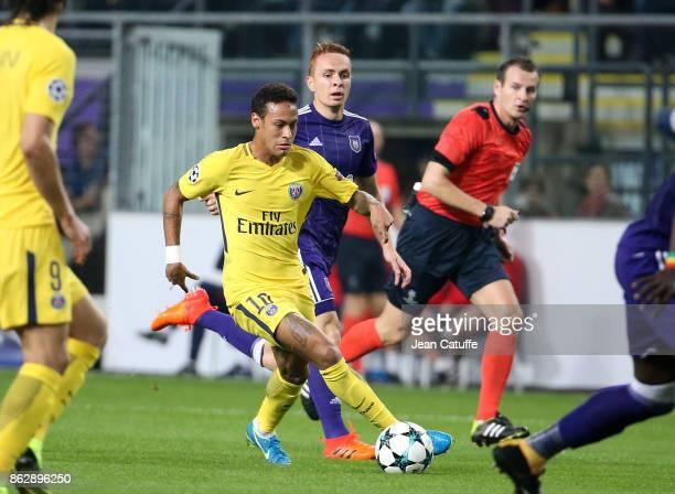 Neymar Jr of PSG Adrien Trebel of Anderlecht during the UEFA Champions League match between RSC Anderlecht and Paris Saint Germain at Constant Vanden...