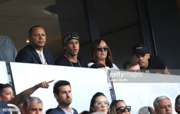 Neymar Jr of PSG between his father Neymar da Silva Santos aka Neymar Sr, his mother Nadine Santos and best friend Jo Amancio during the French Ligue...