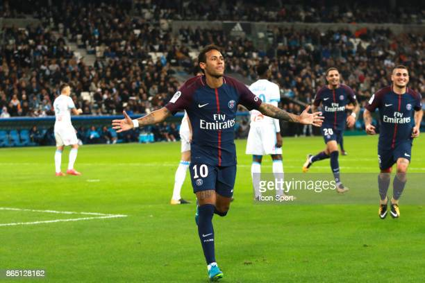 Neymar Jr of PSG celebrate his goal during the Ligue 1 match between Olympique Marseille and Paris Saint Germain at Stade Velodrome on October 22...