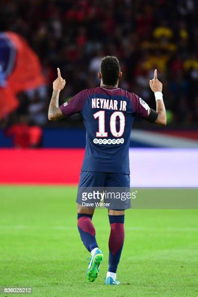 Neymar JR of PSG celebrates after putting his side 62 ahead during the Ligue 1 match between Paris Saint Germain and Toulouse at Parc des Princes on...