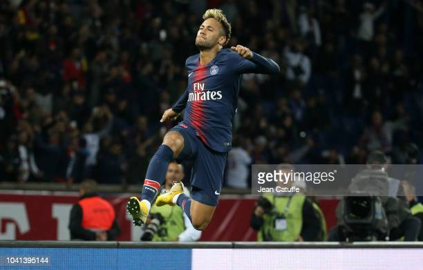 Neymar Jr of PSG celebrates his goal during the french Ligue 1 match between Paris SaintGermain and Stade de Reims at Parc des Princes stadium on...
