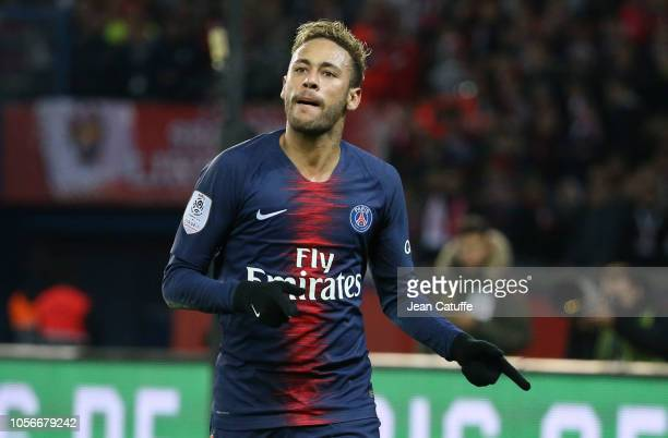 Neymar Jr of PSG celebrates his goal during the french Ligue 1 match between Paris SaintGermain and Lille OSC at Parc des Princes stadium on November...