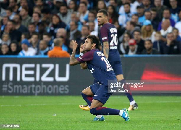 Neymar Jr of PSG celebrates his goal during the French Ligue 1 match between Olympique de Marseille and Paris Saint Germain at Stade Velodrome on...