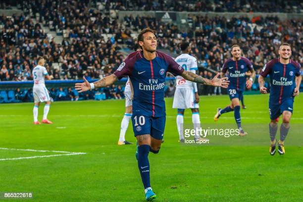 Neymar jr of PSG celebrates his goal during the Ligue 1 match between Olympique Marseille and Paris Saint Germain at Stade Velodrome on October 22...