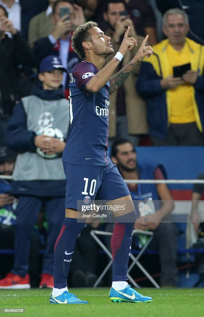 Neymar Jr of PSG celebrates his goal during the UEFA Champions League group B match between Paris Saint-Germain (PSG) and Bayern Muenchen (Bayern Munich) at Parc des Princes on September 27, 2017 in Paris, France.