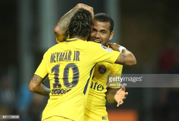 Neymar Jr of PSG celebrates his goal with Dani Alves during the French Ligue 1 match between En Avant Guingamp and Paris Saint Germain at Stade de...