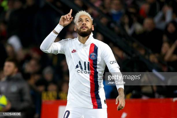 Neymar Jr of PSG celebrates his second goal on a penaly kick paying a tribute to Kobe Bryant during the Ligue 1 match between Lille OSC and Paris...