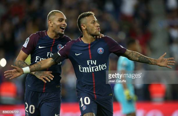 Neymar Jr of PSG celebrates his second goal with Layvin Kursawa during the French Ligue 1 match between Paris Saint Germain and Toulouse FC at Parc...