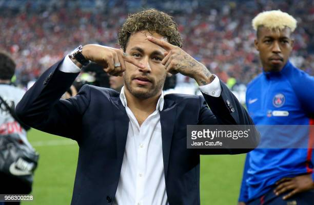 Neymar Jr of PSG celebrates the victory following the French Cup final between Les Herbiers VF and Paris SaintGermain at Stade de France on May 8...