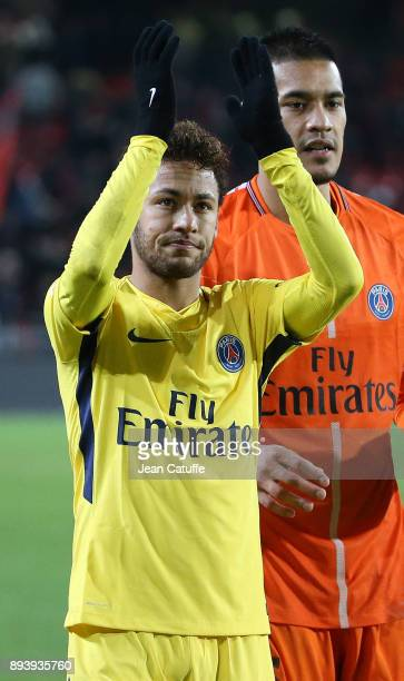Neymar Jr of PSG celebrates the victory following the French Ligue 1 match between Stade Rennais and Paris Saint Germain at Roazhon Park on December...