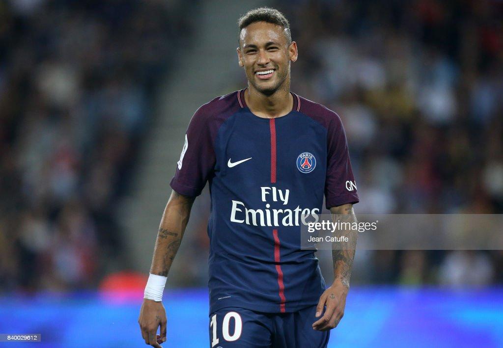 Paris Saint Germain v AS Saint-Etienne - Ligue 1 : News Photo